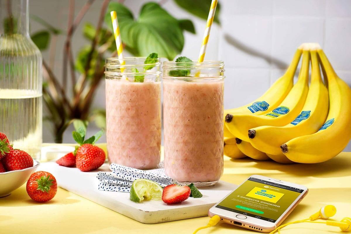 Smoothie facile à la banane Chiquita et aux fraises