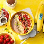 Smoothie bowl protéiné végétalien à la fraise et à la banane Chiquita