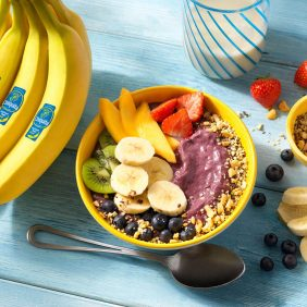 Bol de yaourt, baies d'açaï et banane Chiquita
