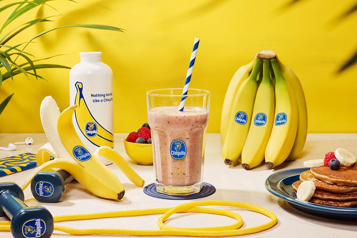 Smoothie protéiné à la banane et aux baies pour l'entraînement de Chiquita